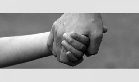 Intézményi kötelezettségek a gyermek- és ifjúságvédelem területén – Csókay László előadása